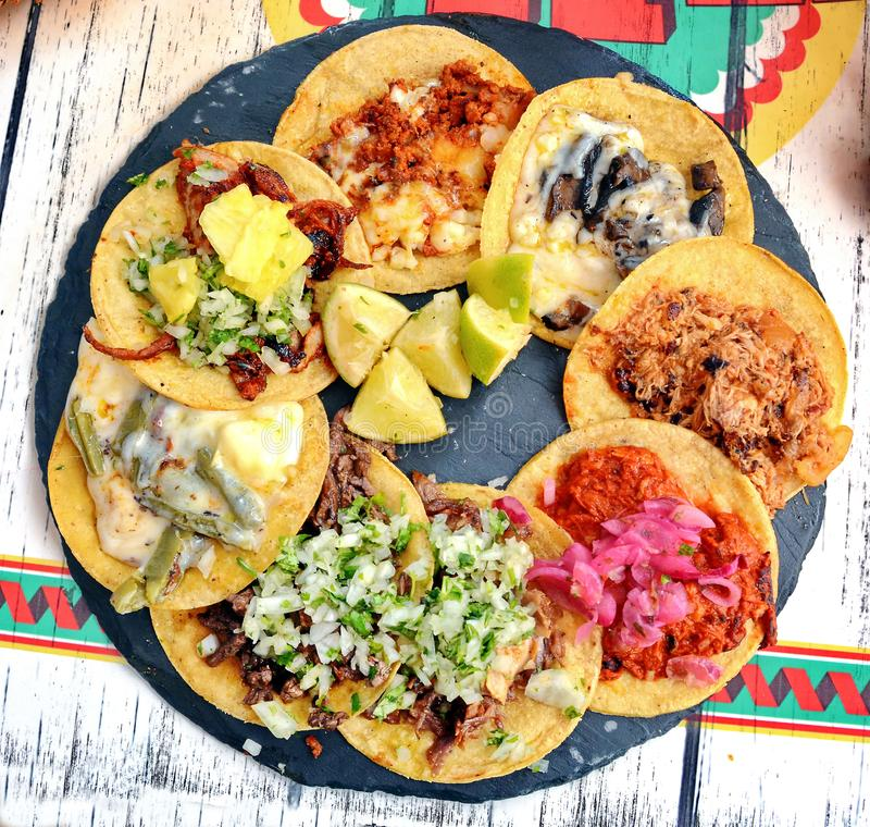 Tacos mexicain de nourriture photographie stock libre de droits