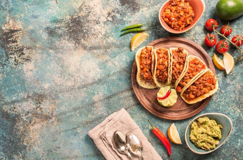 Tacos mexicanos con la carne fotos de archivo libres de regalías