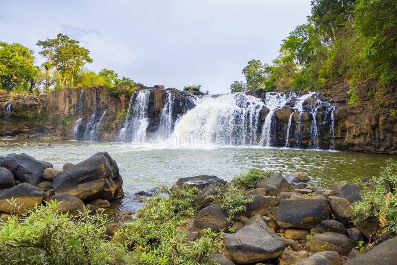 Tad Lo Waterfall Laos royaltyfria foton