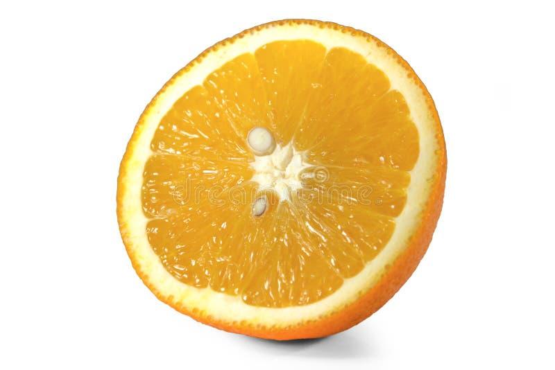 Tadellos überarbeitete geschnittene Orange lokalisiert auf dem weißen Hintergrund mit Beschneidungspfad Lets sehen, was geschieht lizenzfreies stockfoto