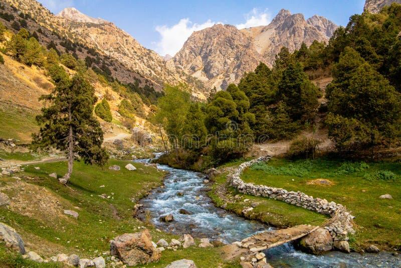 Tadschikistan-Berg schön, Fann-Berg, Kulikalon Seen stockbild