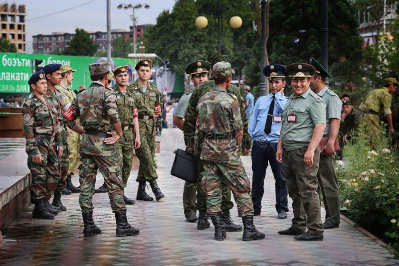 Tadschikistan: Militärparade in Dushanbe lizenzfreies stockfoto