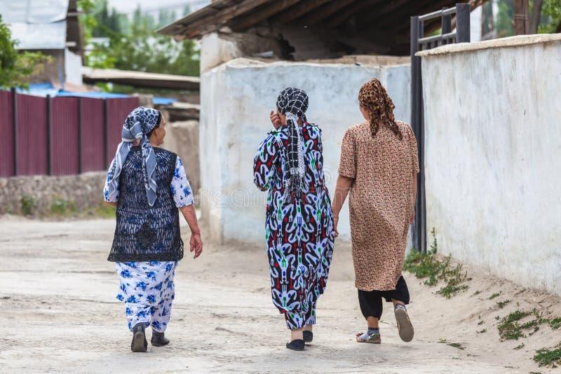 Tadzjikiskt folk i Khorog i Tadzjikistan royaltyfri fotografi