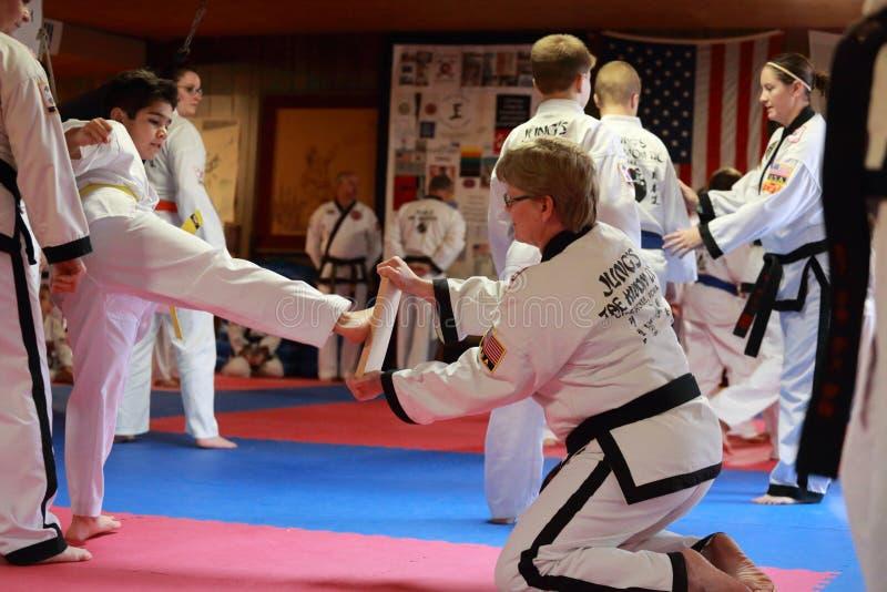 Tae Kwon Do-Test in Cedar Rapids, Iowa stockbild