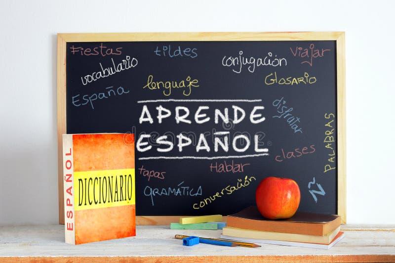 Tafel in einem spanischen Sprachunterricht lizenzfreie stockbilder