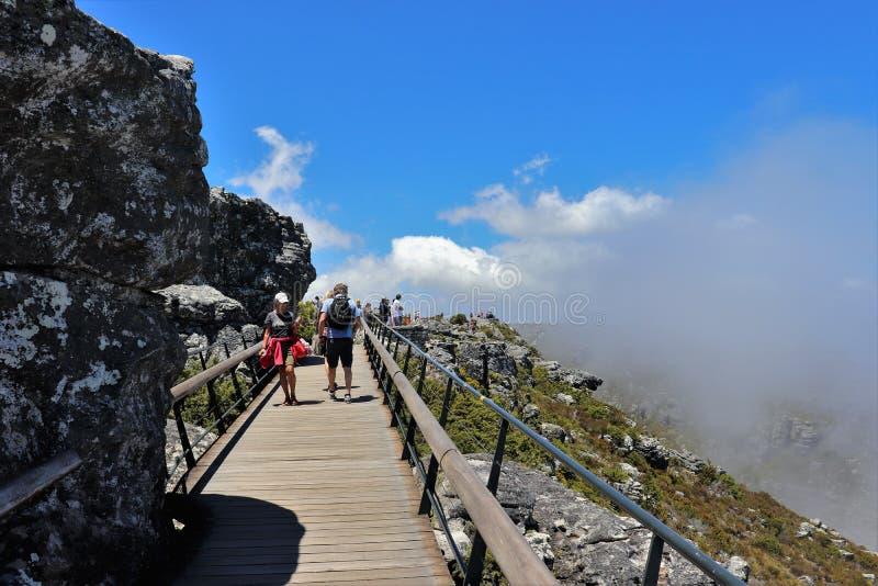 Tafelberg ist ein Hochebenenberg s?dlich von Cape Town lizenzfreie stockfotos