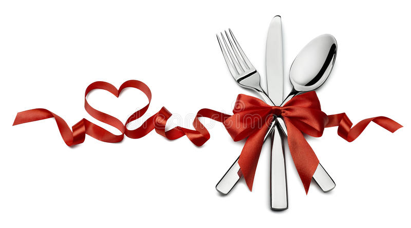 Tafelsilber in rote Valentinsgrußbandherz-Form horizontalem isolat stockbilder