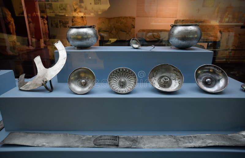 Tafelzilver, tentoongestelde voorwerpen van het museum van antiquiteiten in Antalya royalty-vrije stock afbeeldingen