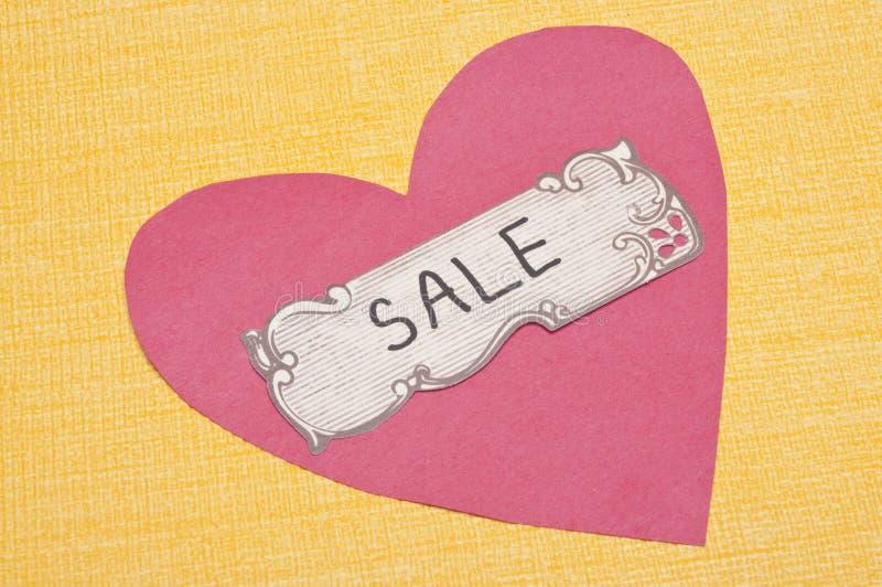 Tag da venda com coração fotos de stock royalty free