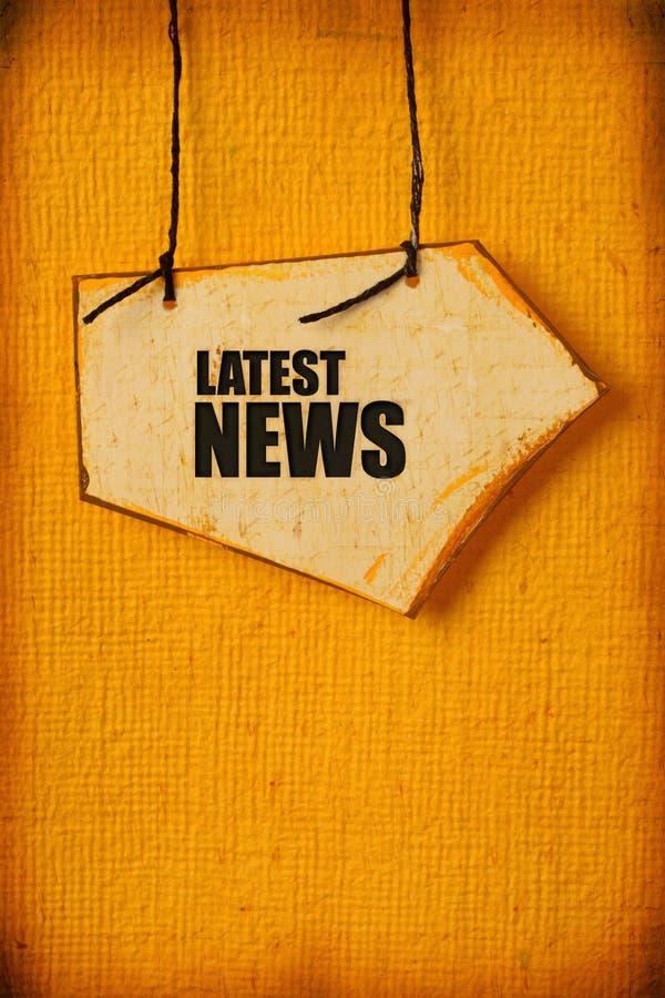 Tag de papel velho com palavra da notícia imagens de stock royalty free