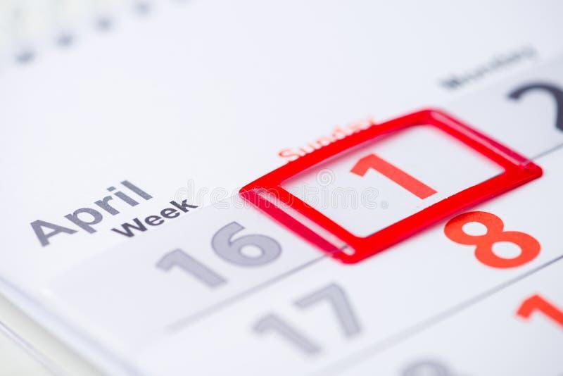Tag der April-Dummköpfe 1. April Kennzeichen auf dem Kalender lizenzfreie stockbilder