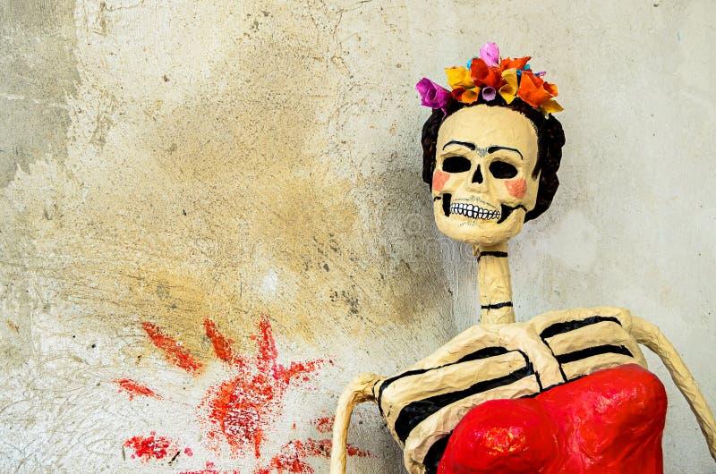 Tag der Toten Catrina auf alter Wand stockfotografie