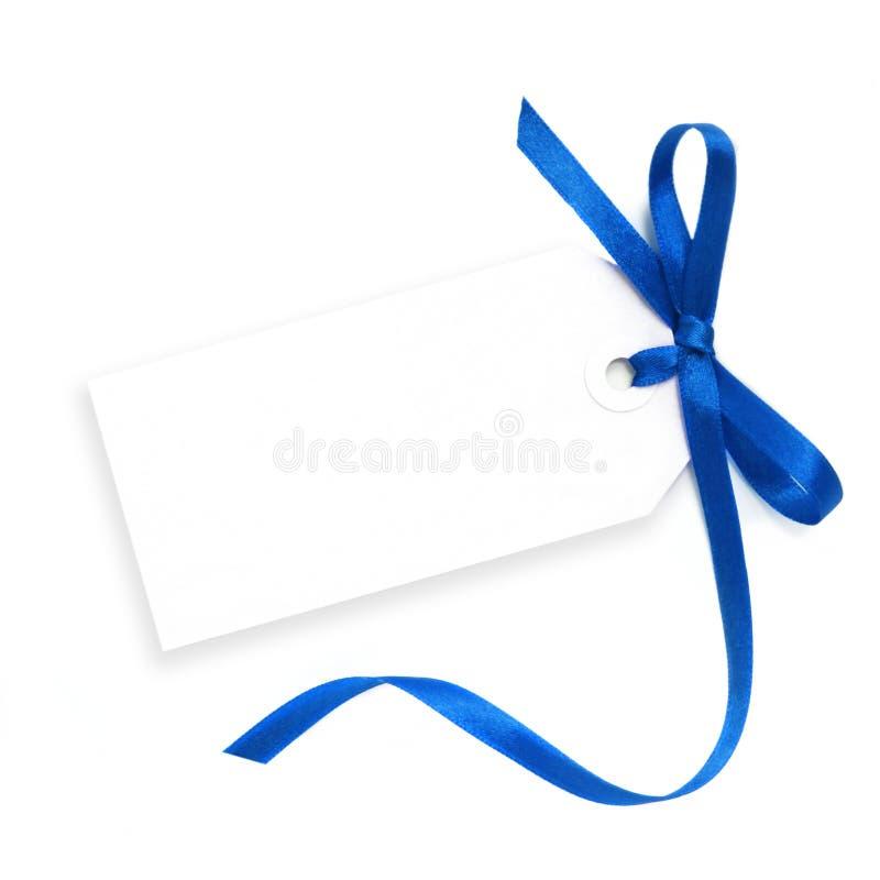 Tag em branco com fita azul imagens de stock royalty free