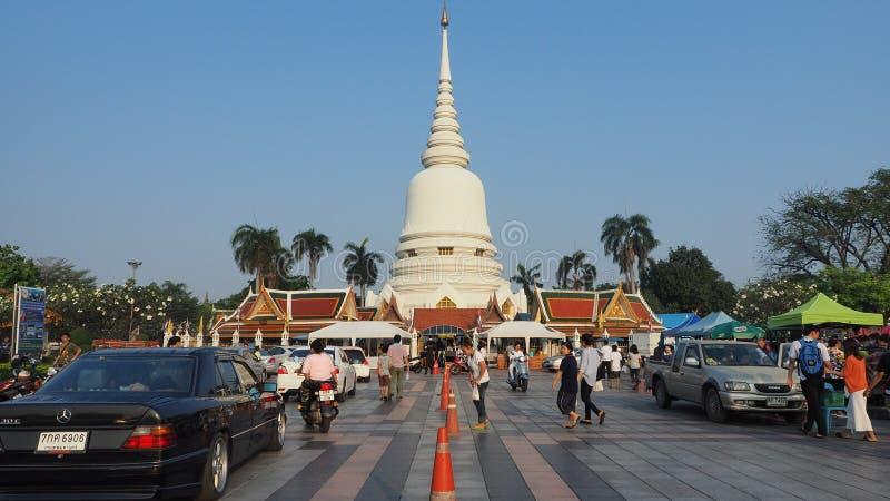 Tag Makha Bucha am thailändischen Tempel Wat Phra Sri stockbilder