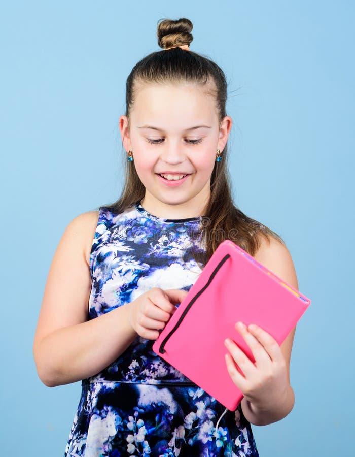 Tagebuch für Mädchenkonzept Anmerkungsgeheimnisse unten in der netten girly Tagebuchzeitschrift Geheimnisse hier halten Ihre Gehe lizenzfreie stockfotografie