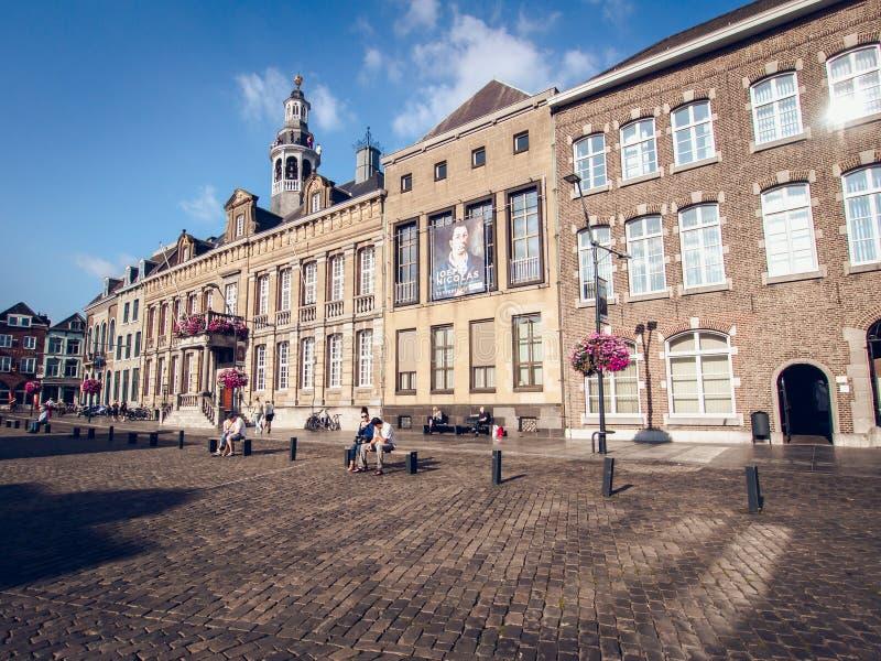 Tagesansicht des Marktplatzes Roermond netherlands lizenzfreie stockfotos