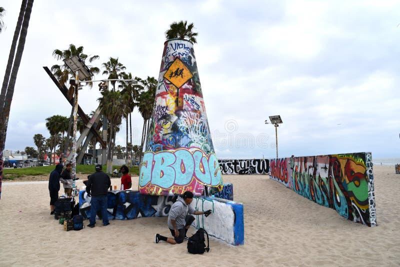 Taggers aux murs de graffiti de Venice Beach photos libres de droits