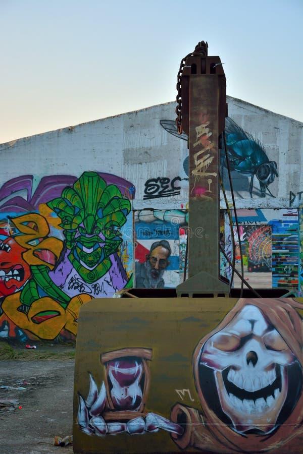 Taggers de gentiane, forme de rue-art : Graffiti de spécialité, travail d'équipe photographie stock