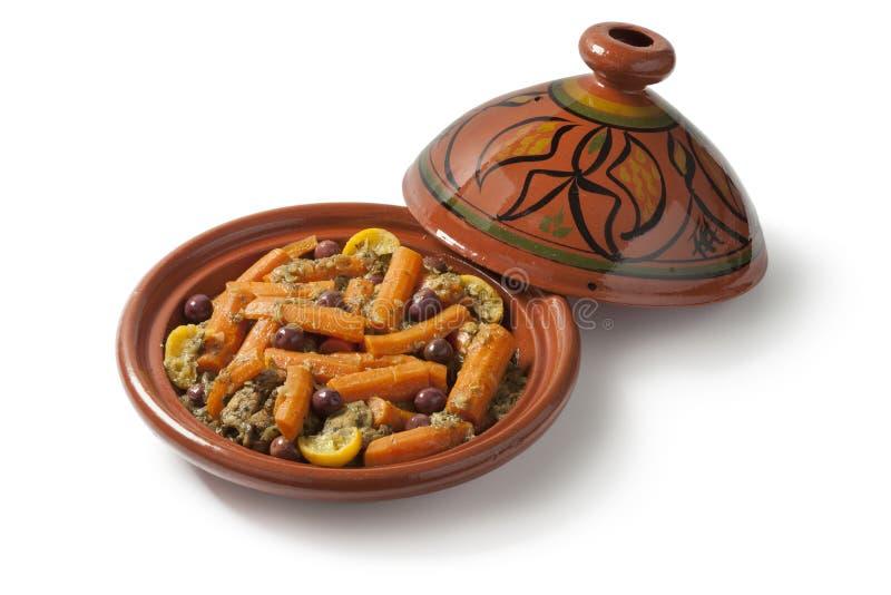 Tagine marroquino com galinha e cenouras imagem de stock