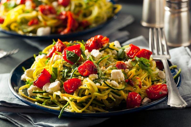 Tagliatelle casalinghe Zoodles dello zucchini immagine stock libera da diritti
