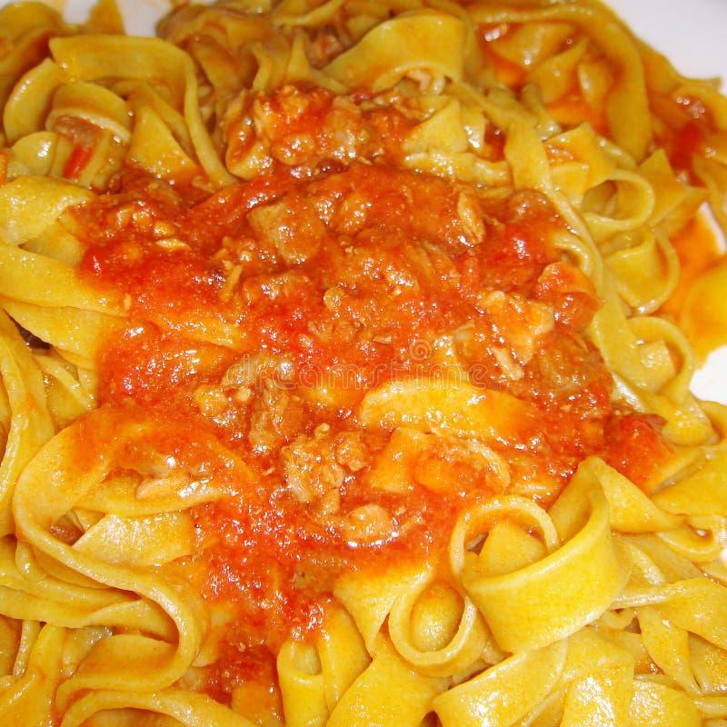 Tagliatelle con la salsa boloñesa imagen de archivo