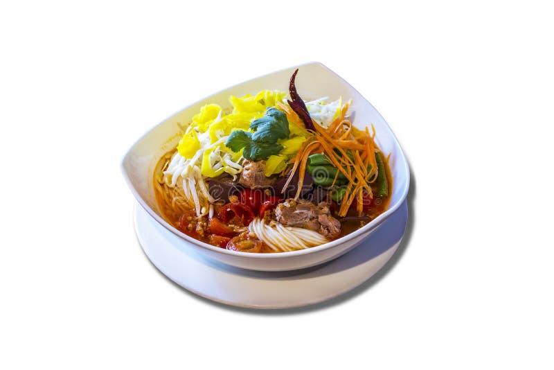 Tagliatelle di riso con la salsa piccante del porco immagini stock libere da diritti