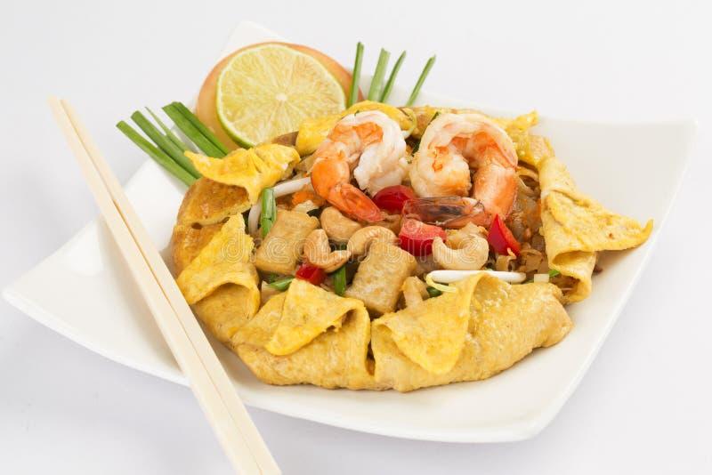 tagliatelle di riso Stir-fritte (cuscinetto tailandese) fotografie stock libere da diritti