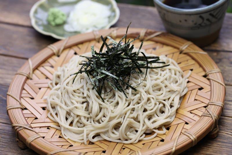 Tagliatelle fredde del grano saraceno di soba, alimento giapponese immagini stock libere da diritti