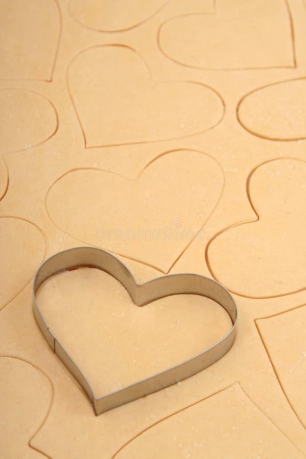 Taglierina del biscotto del cuore fotografie stock