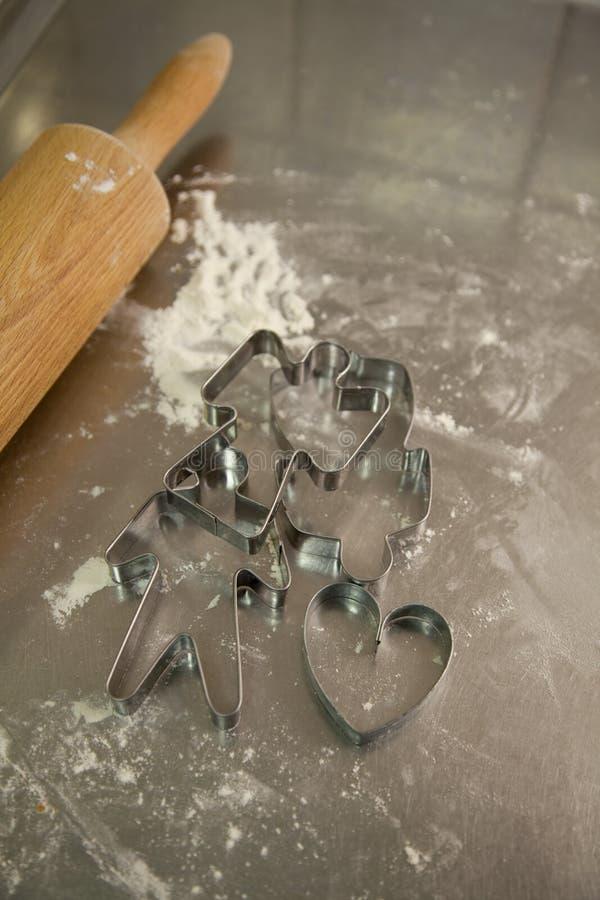 Taglierine del biscotto del pan di zenzero immagine stock