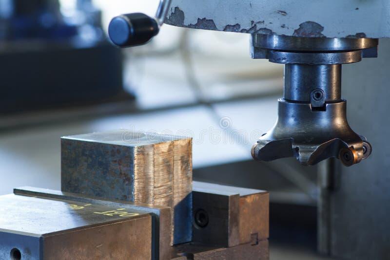 Taglierine della fresatrice di CNC fotografie stock