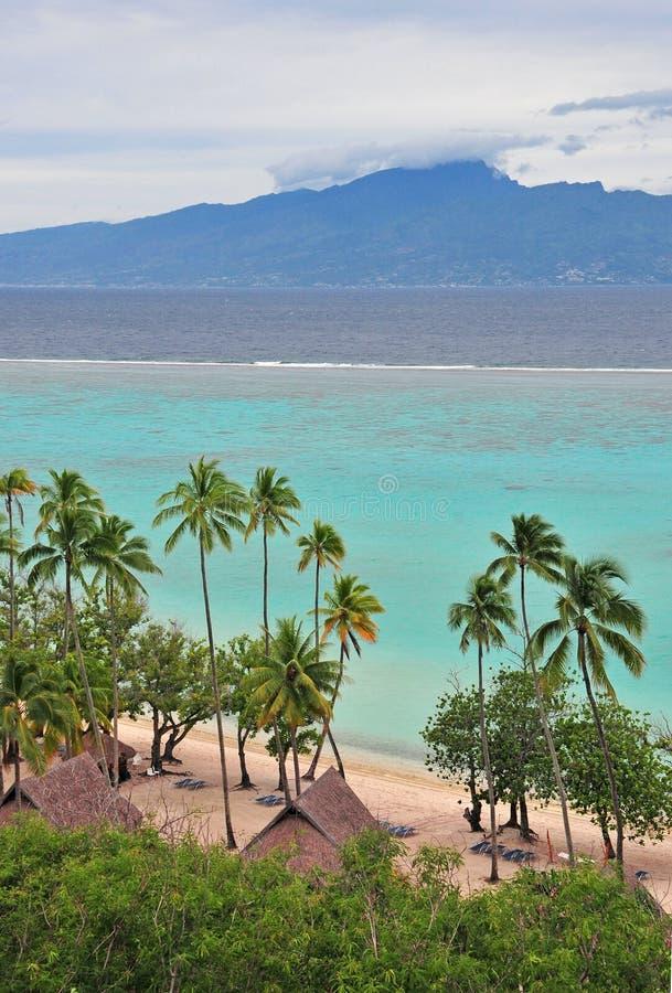 Tahiti como visto da ilha de Moorea fotografia de stock royalty free