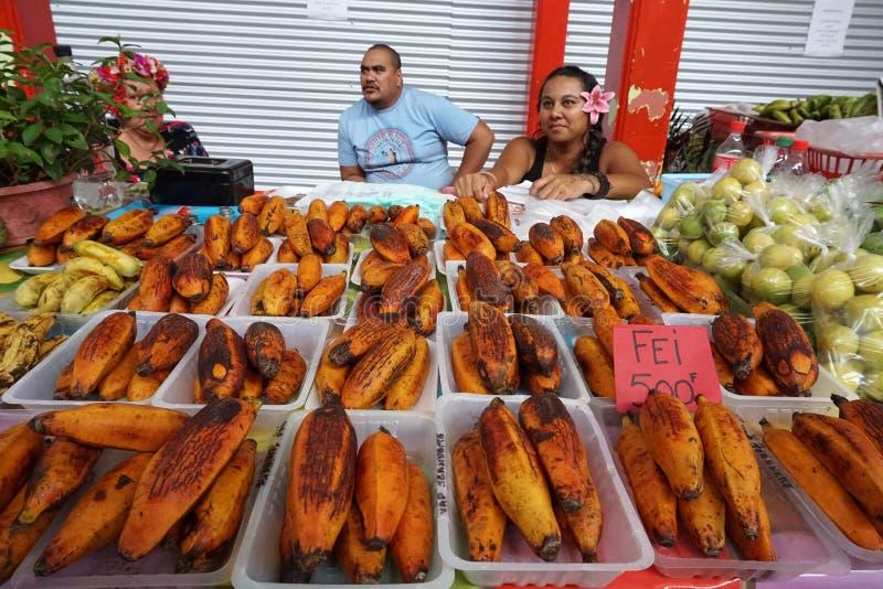 TAHITI, FRANZÖSISCH-POLYNESIEN - 4. August 2018 - traditioneller Markt Papetee lizenzfreies stockfoto
