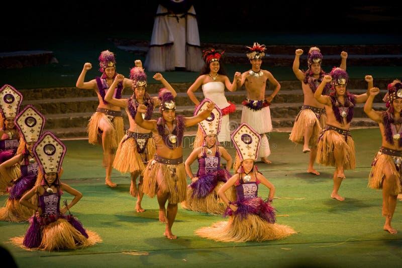 tahitian的舞蹈演员 免版税库存照片