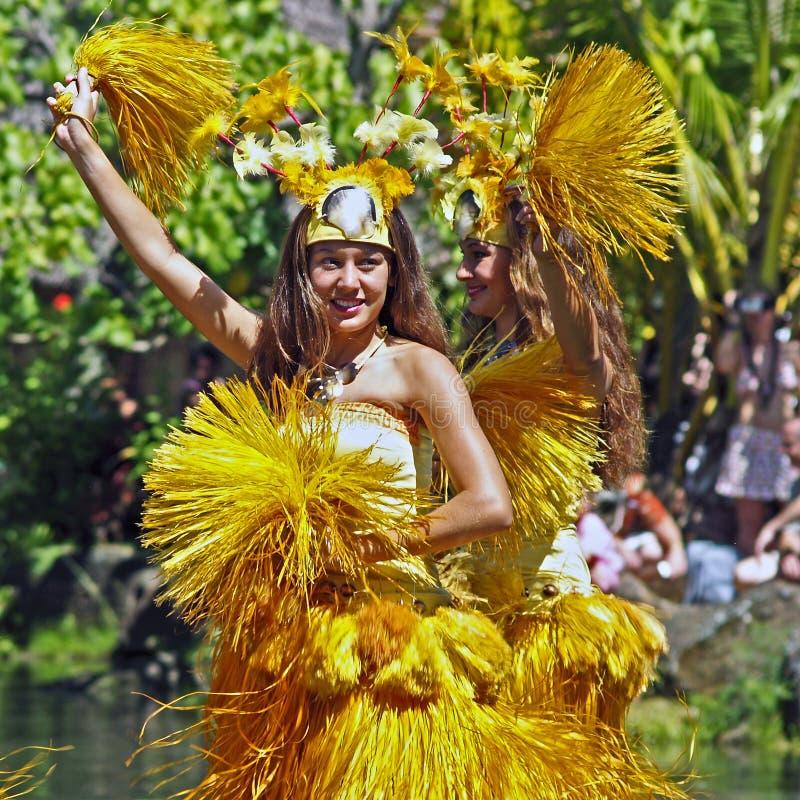 Tahitian舞蹈演员 免版税库存照片