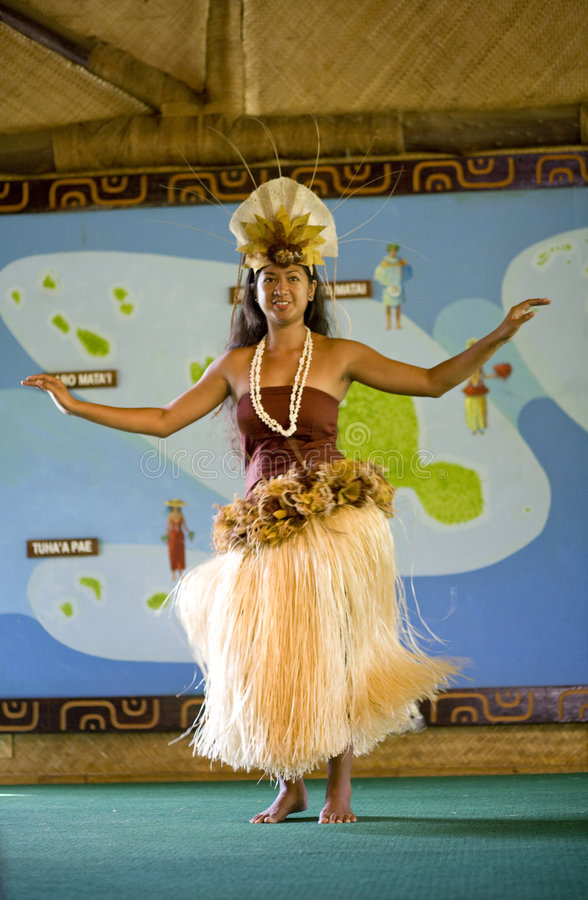 tahitian dansare arkivbild