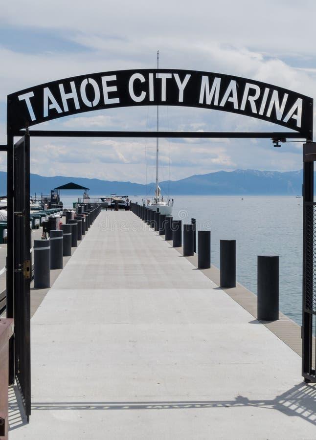 Tahoe市小游艇船坞 免版税库存照片