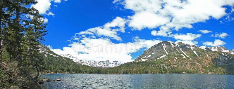 tahoe för panorama för Kalifornien bildlake arkivbilder
