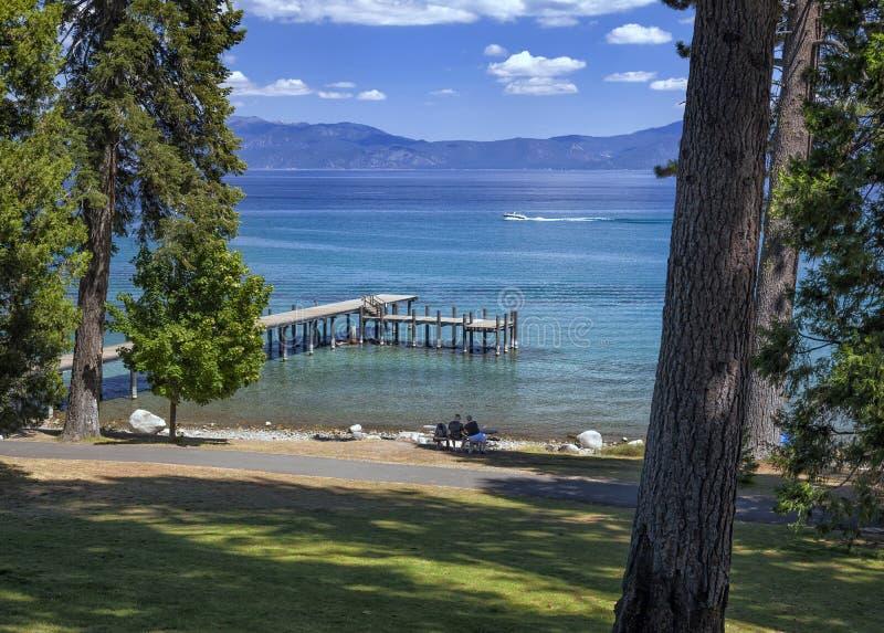 Tahoe-Picknick lizenzfreie stockbilder