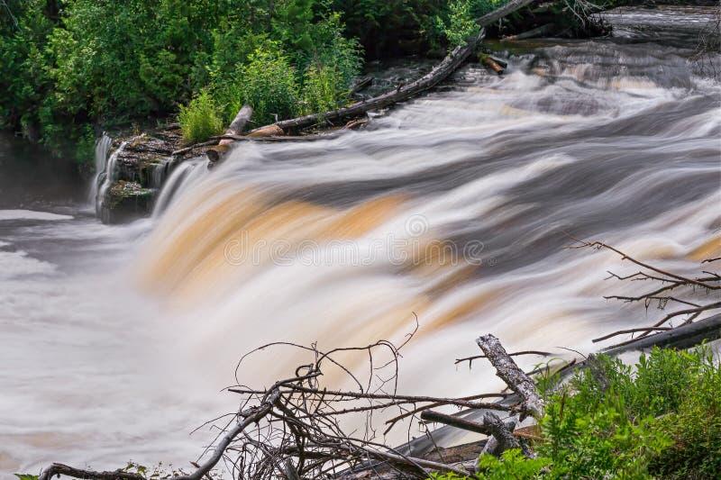 Download Tahquamenon Whitewater obraz stock. Obraz złożonej z plunge - 57661933