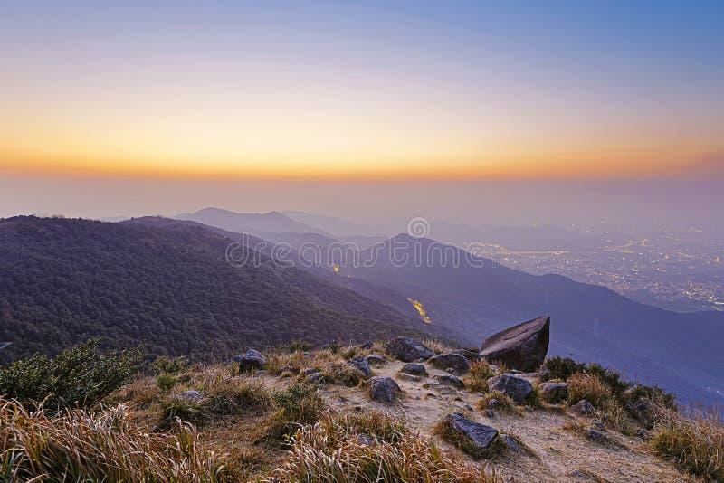 Tai Mo Shan-zonsondergang stock fotografie