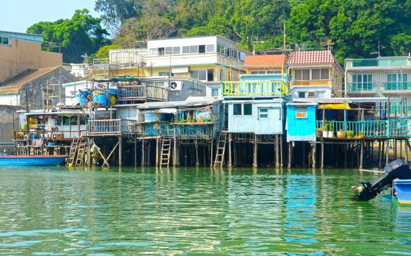 Tai-nolla-fiskeläge, hus som byggs på styltor Hong Kong Kina royaltyfria bilder