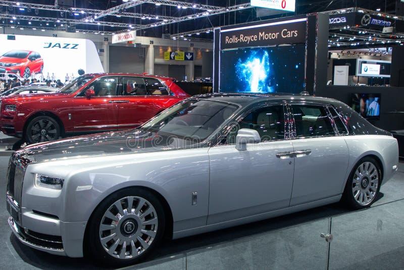 Tailândia - em dezembro de 2018: Carro luxuoso da cor cinzenta de Rolls Royce Cullinan apresentado na expo Nonthaburi Tailândia d fotos de stock