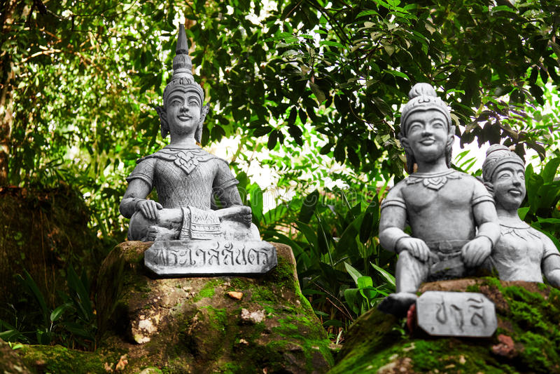 tailândia Estátuas no jardim secreto da Buda em Koh Samui buddhism fotografia de stock royalty free