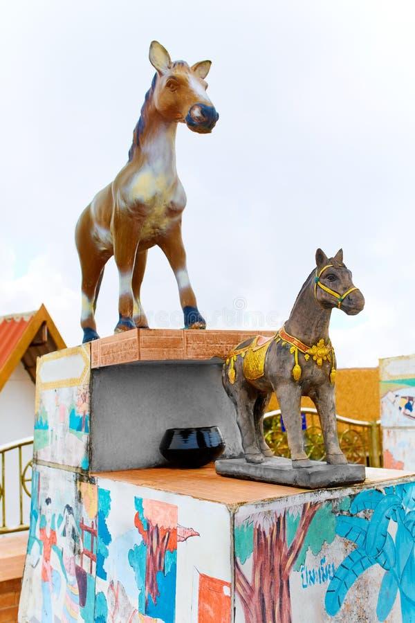 tailandia Estatuas chinas del zodiaco en Koh Samui Viaje, turismo fotos de archivo