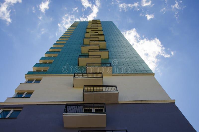 taille Le fond d'édifice haut vers le haut de la vue photo libre de droits