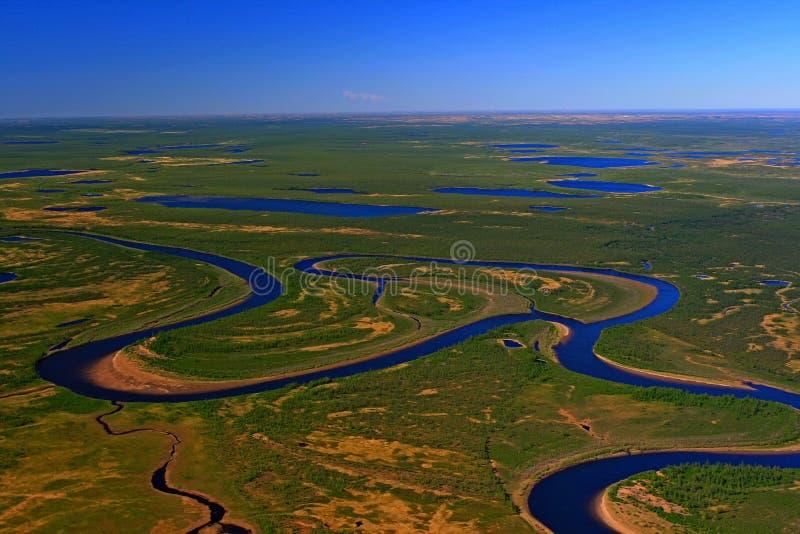 Taimyr tundra w wiośnie Fotografia od helikopteru Syberia, fotografia stock