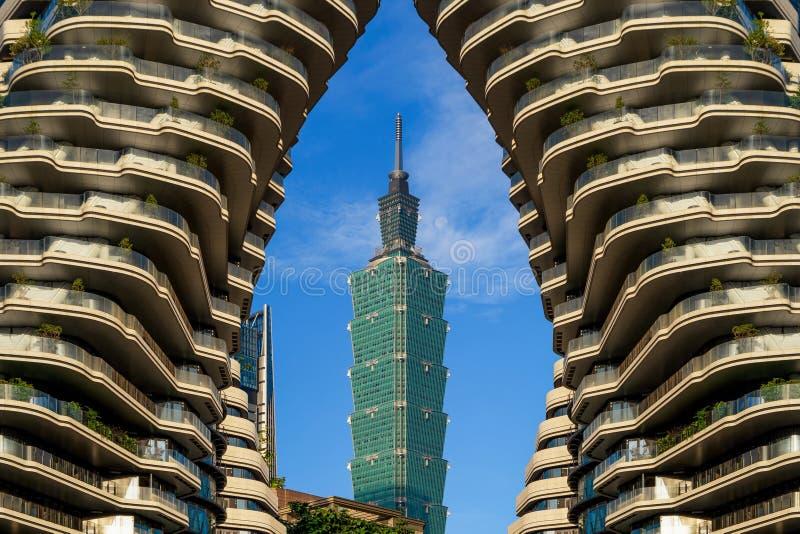 Taipeh 101 in Taipeh de stad in, Taiwan Financi?le districts en commerci?le centra in slimme stedelijke stad Wolkenkrabber en hig royalty-vrije stock foto