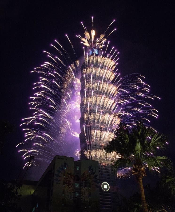 Taipeh 101 fuoco d'artificio fotografia stock