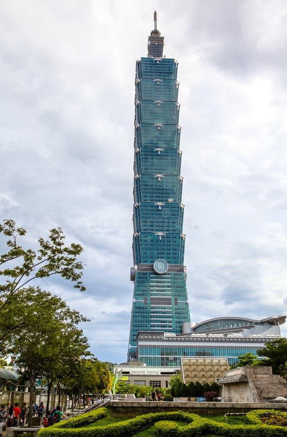 Taipeh 101 stijgingen boven de Stad van Taipeh stock fotografie